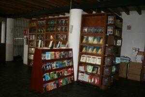 Librería Mariano Azuela